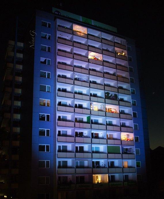 Balkonballett_Hochhaus
